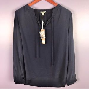 NEW Love Riche Size Small Long Sleeve Top